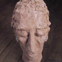 Christel Brill . Tonkopf . 2007 . 38 cm hoch